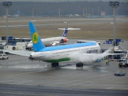 VP-BUE, Boeing 767-300ER, Uzbekistan Airways