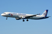 VQ-BOB, Airbus A321-200, Ural Airlines
